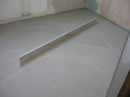 бетонное основание в деревянном доме