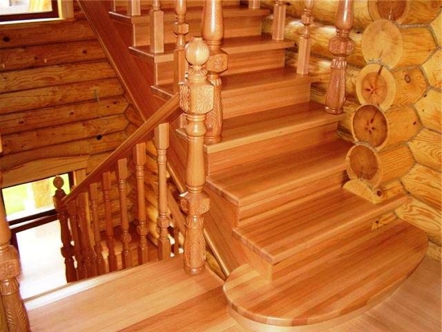 Делаем лестницу в деревянном доме