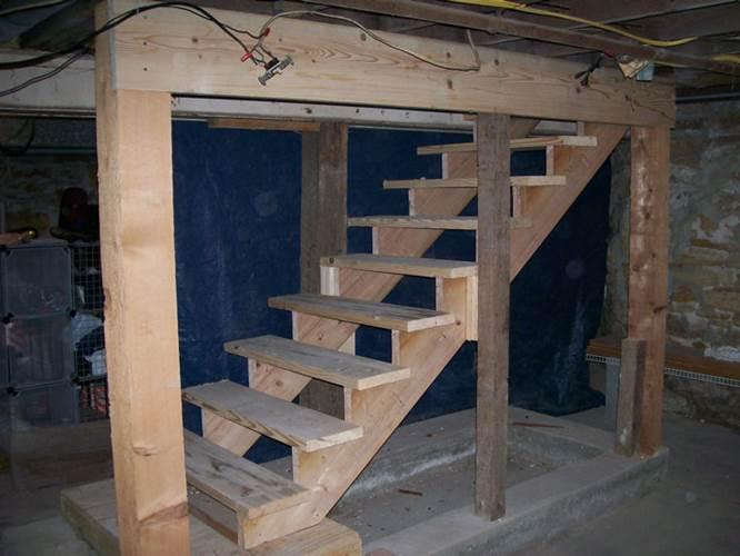 Как построить лестницу в подвал