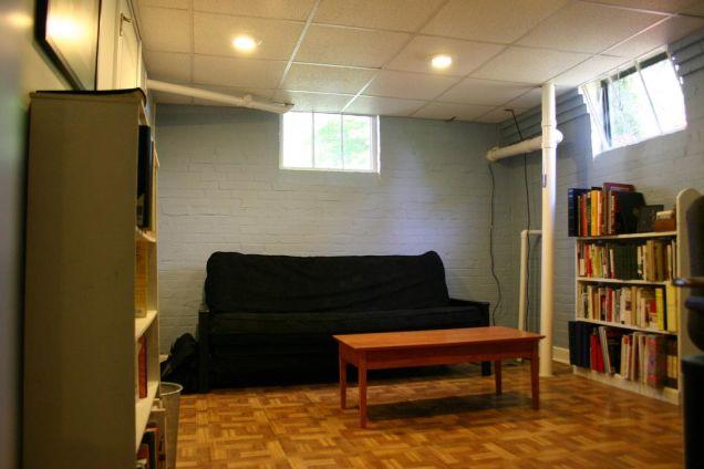 оборудовать подвал под комнату отдыха