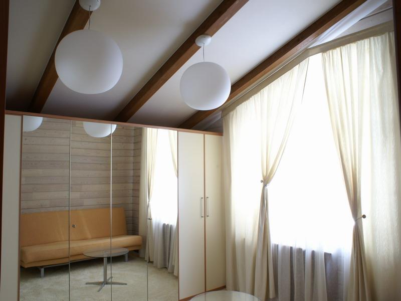 монтаж гкл к деревянному потолку