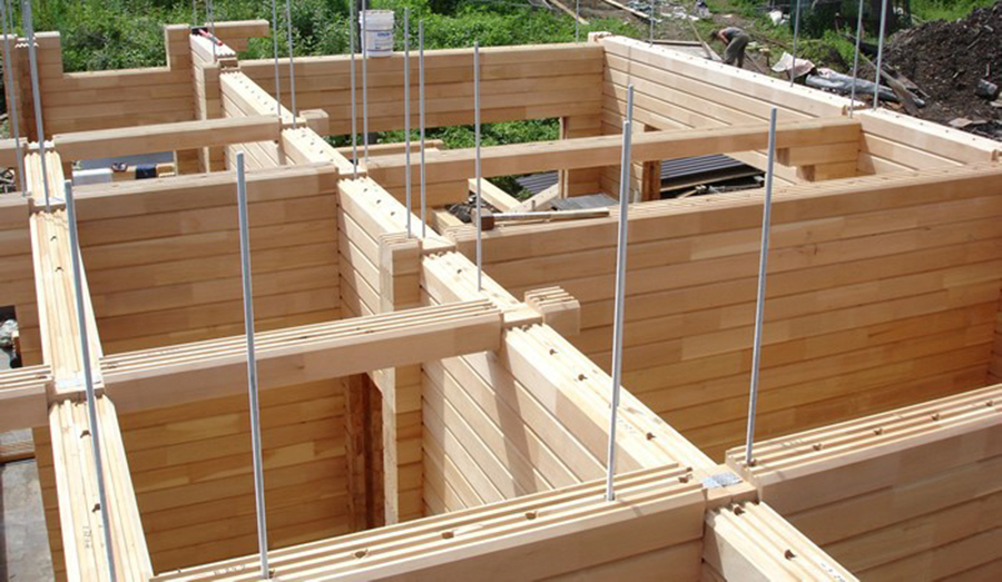 строительство дома из бруса на узком участке