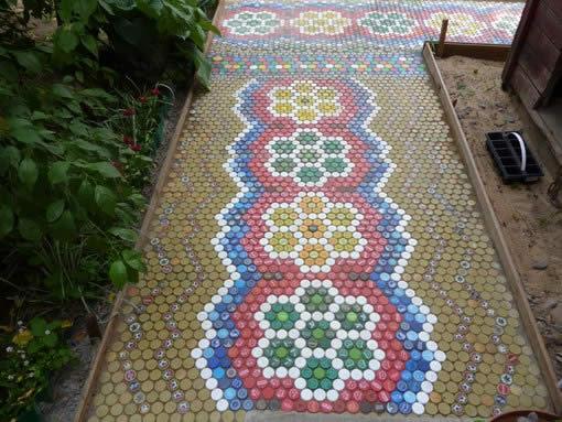 Украшение дорожек мозаикой