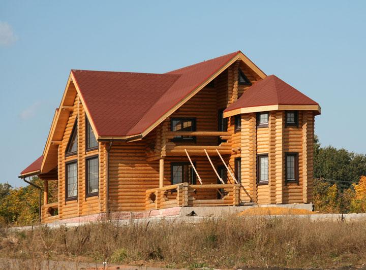 Эркер в деревянном доме – сочетание элегантности и практичности