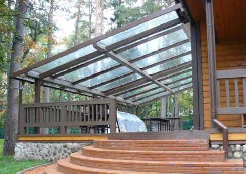 Терраса со стеклянной крышей