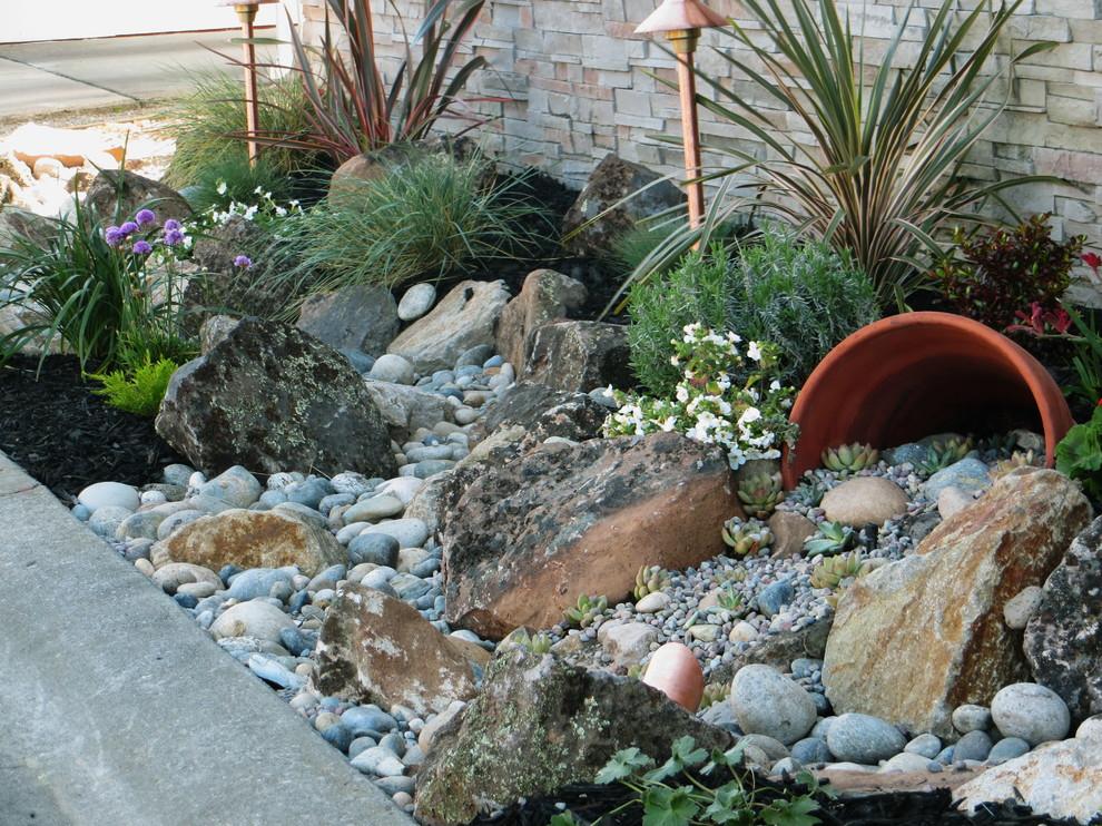 Каменные композиции