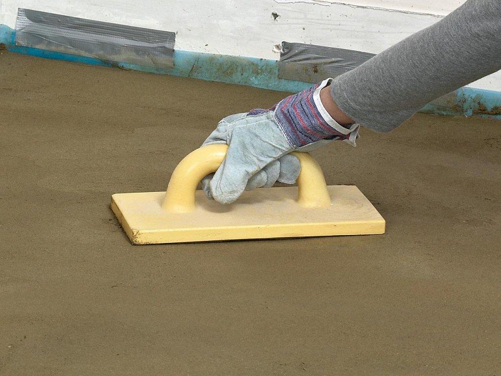 Заливаем бетонный пол в деревянном доме