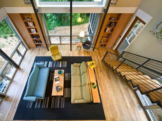 Преимущества домов со вторым светом