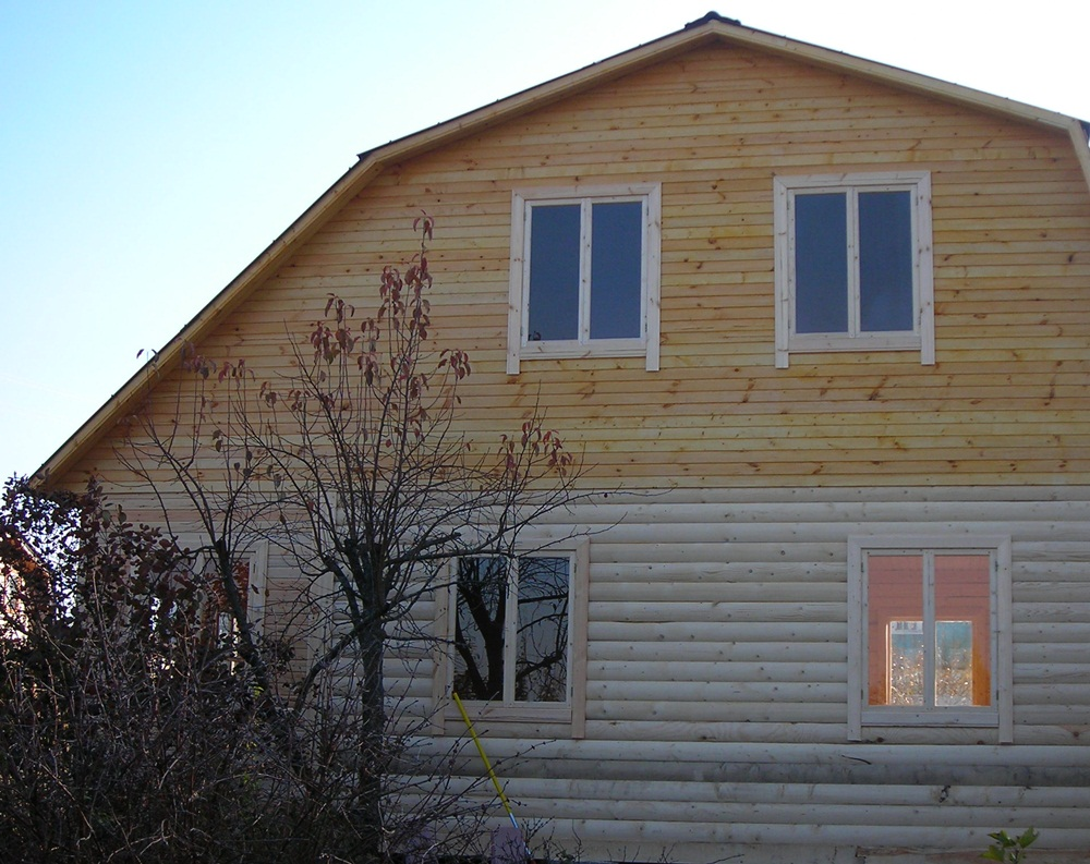 Комбинированный дом – брусовой низ, каркасный верх