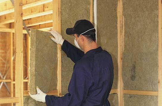 Как утеплить стены в деревянном доме