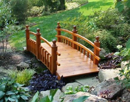Как сделать деревянный мостик на даче своими руками